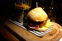 Burger with BBQ Pulled Pork